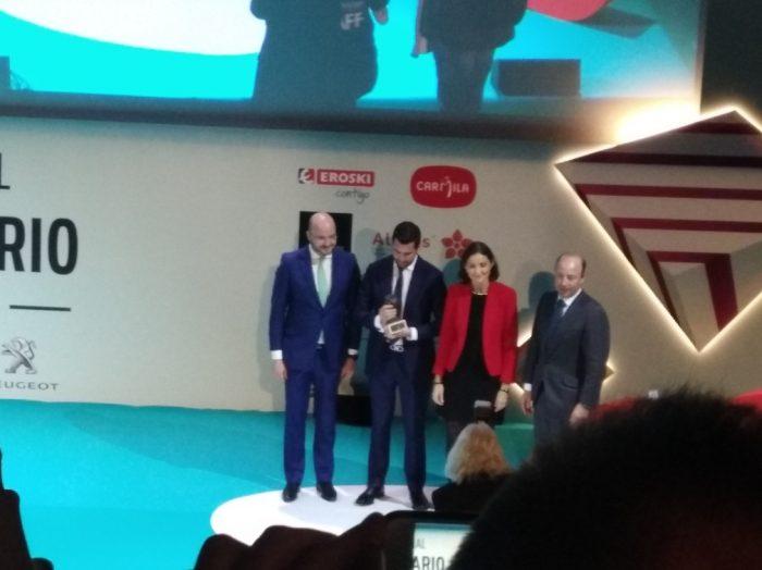 el auditorio central de la sede del Banco Santander de España, en Madrid, celebró la entrega del Premio Nacional del Joven Empresario de la CEAJE.